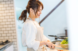 飲食業界の調理スタッフ